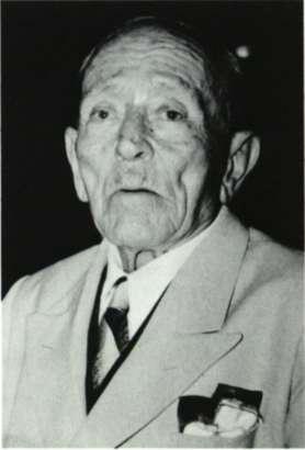 Σκαρίμπας, Γιάννης (Αγία Ευθυμία Παρνασσίδας, 1893 ή 1897 - Χαλκίδα, 1984)